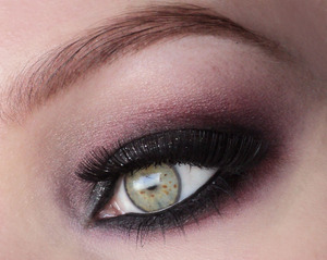 I made this look with my 120 palette from ebay. On the lid I applied some silver glitters. Lashes are red cherry 203.  Follow me on instagram: http://instagram.com/makeupbyeline/