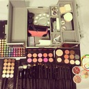 Kit for makeup course
