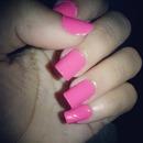 Them pink nails!!!