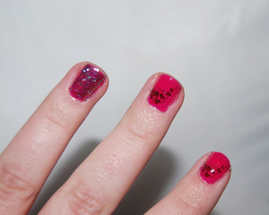 http://jessbeez.blogspot.com/2012/02/valentines-day-214-china-glaze.html