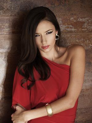 Model: Alexis
