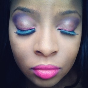 Very light very simple purple eye look using a simple 120 palette