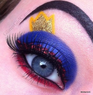 Video tutorial: http://www.beautylish.com/v/yrrzvm/disney-snow-white-vs-the-evil-queen-makeup-tutorial