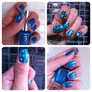 polka dot mani in metallized blue and a fluo light green