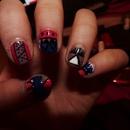 A little rough, but tribal nails again! :)
