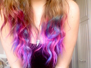 I mucked around with some hair dye.. [: