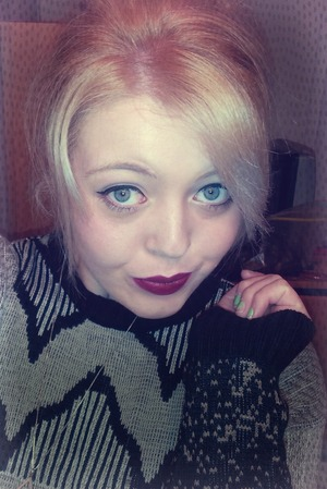 Just a simple and fun look with deep red lips, simple eyeshadow & winged liquid eyeliner.