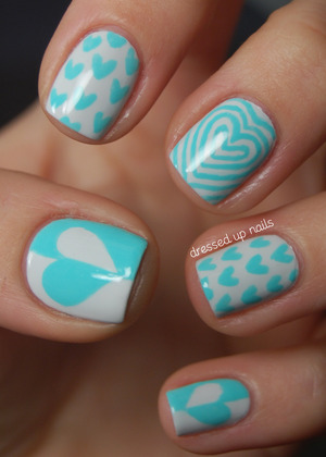 I did these for a guest post on XOXO Alexis Leigh for her 1-year blogiversary. They match her blog theme!  http://www.xoxoalexisleigh.com/2012/12/say-hi-to-whitney-from-dressed-up-nails.html