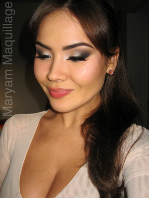 Classic Smokey Eye and Glossy neutral lip using the NAKED2. Info and tutorial on my blog: