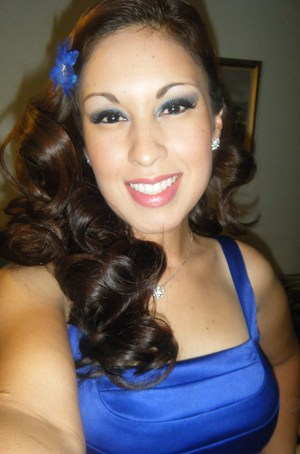 Going to a friend's wedding, false lashes  are a must in my book for dressing up.