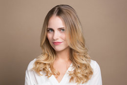 Here's How to Get Bouncy, Beachy Curls With a Flat Iron