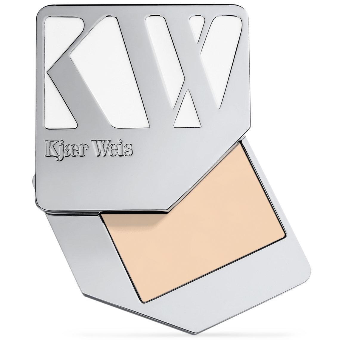 Kjaer Weis Cream Foundation Lightness alternative view 1.