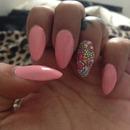 Pastel pink nails