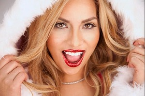 Your lips will be the party starters this holiday season with GlitzyLips http://shar.es/6ZLUo