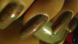 China Glaze: Long Kiss China Glaze: Cracked Concrete