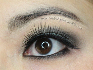 http://blog.falseeyelashessite.com/elegant-lashes-001-black-false-eyelash-review/