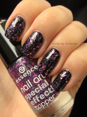 http://arvonka-nails.blogspot.sk/2012/11/notd-glitre-glitre-glitriky.html