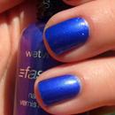 Glowy Purple Nails