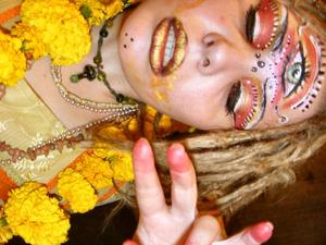 sadhu makeup