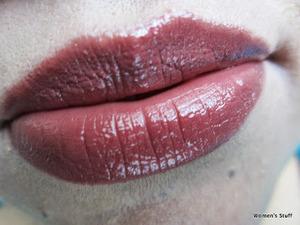 Maybelline Moisture Extreme,Rum Raisin g300 http://www.srinjla.com/2013/09/lipstick-challenge-day18-maybelline.html#.Ul2NHRaXulJ