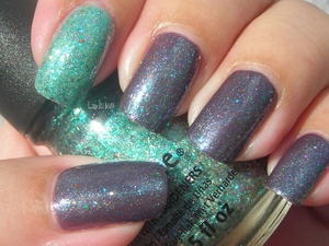 China Glaze - For Audrey Sinful Colors - Winterberry China Glaze - Optical Illusion