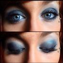Teal smokey eye