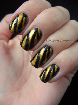 FOR MORE PHOTOS CLICK HERE: http://arvonka-nails.blogspot.sk/2012/10/tigrie-nechtiky.html