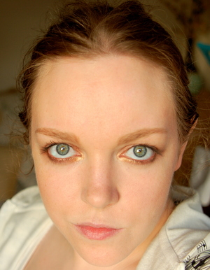 Bronze and gold smokey eye using the Urban Decay Naked Palette (original)