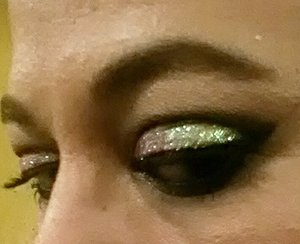 mac brick shadow, kvd monarch pallet,Lit glitter in abba and in extreme demention mascara by Mac