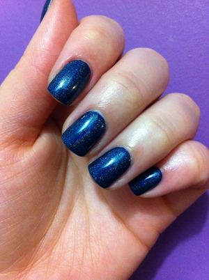 #5 - blue nails