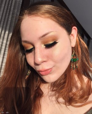 Just in time for St. Patty's day tomorrow ;)! Sorry for the double post, but loved my makeup.  http://theyeballqueen.blogspot.com/2017/03/golden-saint-patricks-day-makeup-look-w.html