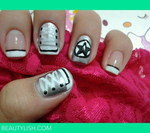 Nail Art Design Converse