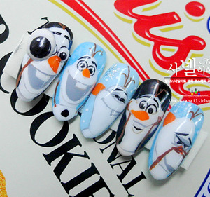 Hi, everyone! Today is Frozen Nail art, too!  I would like to have made Frozen nail art more beautiful. so, this nail art is specialized in cute Olaf!  http://saranail.blogspot.kr/2014/02/hi-everyone-today-is-frozen-nail-art.html