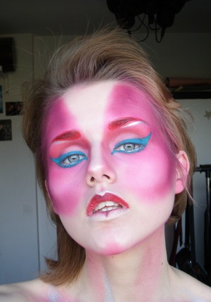 Makeup look inspired by the one and only David Bowie!