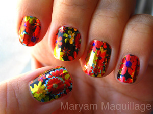 floral thanksgiving nail foils http://www.maryammaquillage.com/2011/11/festive-thankful-nails.html