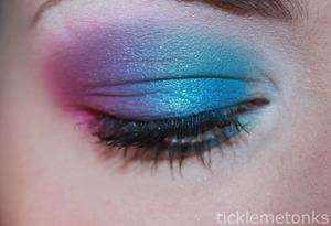 http://ticklemetonks.blogspot.ca/2012/05/fotd-forgetful-me.html