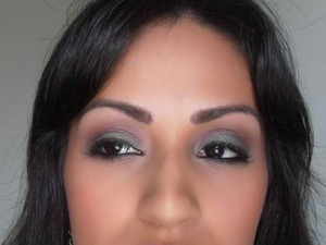 Egg plant and hunter green smokey eye with bronzer