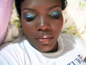 I love the finish Loreal HIP eyeshadow duo Spirited gives.