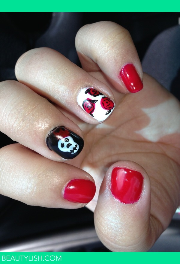 queen of hearts roses and skull with crown nails gel | Tina P.\'s ...