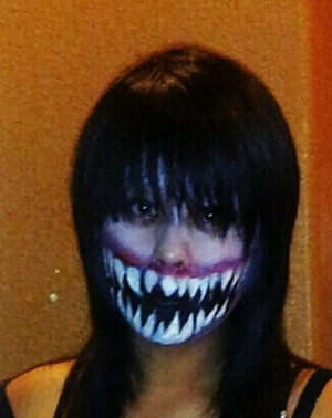 This is my take on Mortal Kombat Mileena look i did last Halloween :)