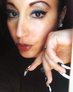 Lips dark brown