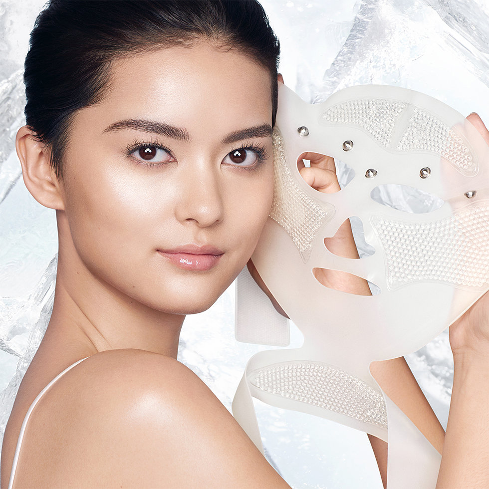 Charlotte Tilbury Cryo-Recovery Lifting Face Mask With Acupressure Technology