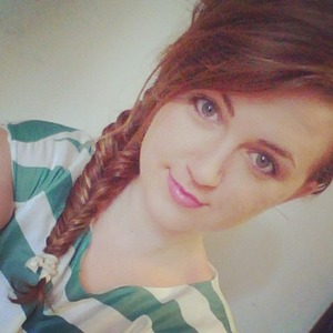 learn how to make a fishtail here:  http://goo.gl/ehajDj