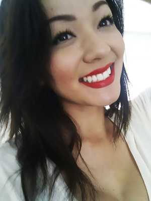Great mascara and matte red lips will magnify that perfect smile! <3