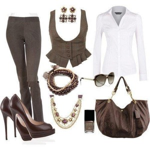 Love the white an mocha color of this outfit an all for the vest