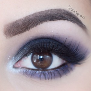 Used Urban Decay Vice 2 shadows only 😊 lashes are from House of Lashes in the style Noir Fairy