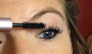 Everyone go check out my review on this amazing mascara (: www.youtube.com/watch?v=rS4XOSt6IE