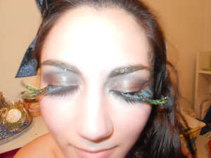 I made these feather lashes :)