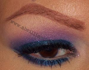 http://www.abrilliantbrunette.com/2012/01/blue-and-purple-wet-n-wild-eyes.html