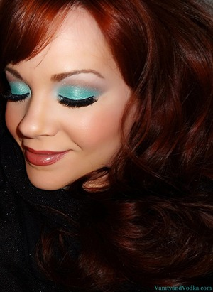 For more info on products used, please visit: http://www.vanityandvodka.com/2013/04/seashore-and-shimmer.html xoxo!